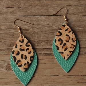 💥NEW💥 Leather and Leopard Print Earrings